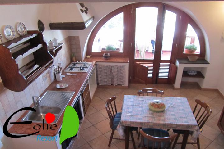 Villetta matteo case vacanze salina eolie resort for Case in stile sci lodge